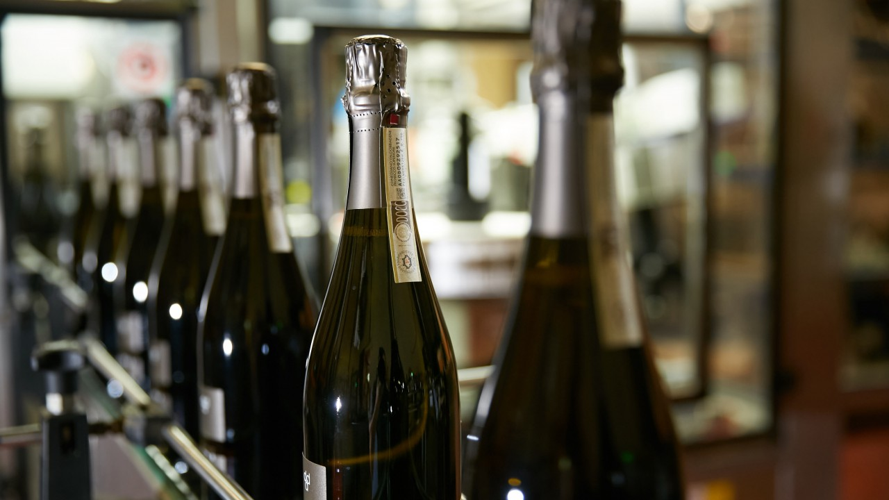 The Brut Prosecco bottling Phase